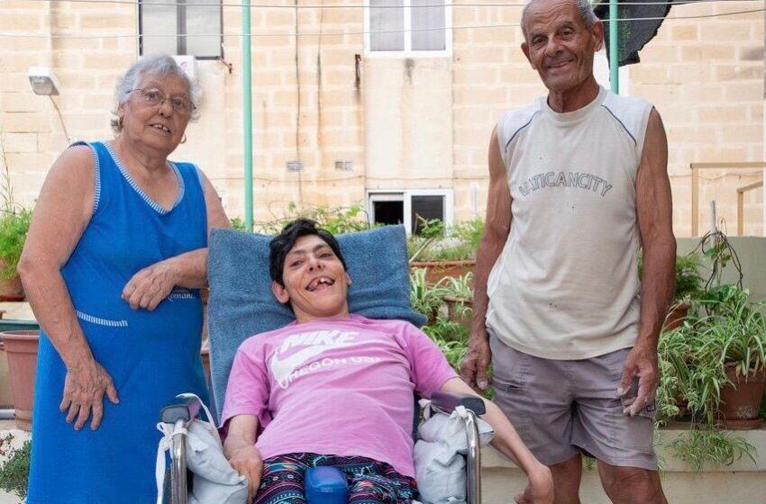 """""""Fil-Bidu Toħodha Kontra Alla…"""" – Ninu U Phyliss Jitkellmu Dwar Binthom B'Kundizzjoni 'Cerebral Palsy'"""