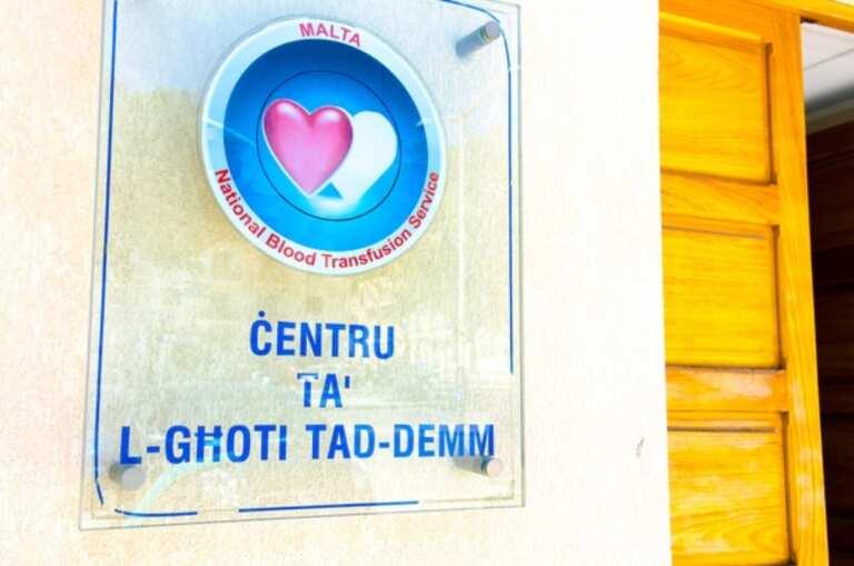Mit-Teħid Tad-Demm Għall-Għoti Tat-Tilqima Kontra L-COVID-19