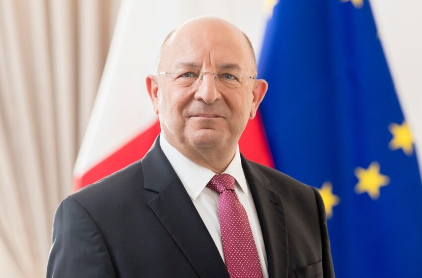 Il-Ministru Michael Farrugia Lura D-Dar
