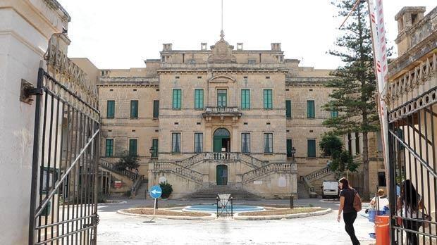 Meta R-Residenti Tal-Imgieret Għamlu Protesta
